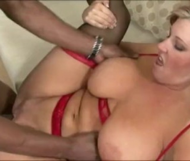 Amateur In Sexy Lingerie Having Sex With Her Boyfriend At Home