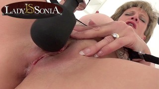 Lady Sonia edging her clit with a vibrator