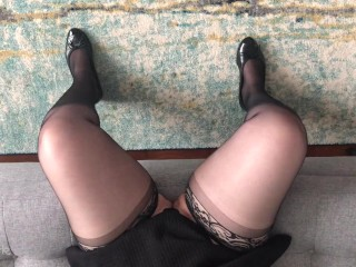 Preview of Shoe Tapping Kink Therapist is Here to Help