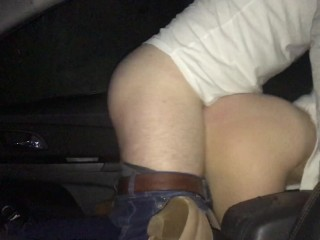 Hot Teen Has Car Sex With Front Seat Fuck