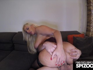 Hot Bubble Butt Blondie Fesser gets Fucked Outdoors – Spizoo