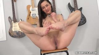 Solo brunette, Georgia Jones is masturbating, in 4K