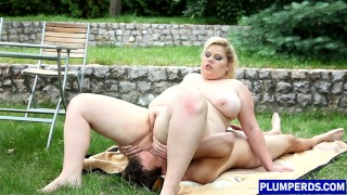 Dominant BBW blonde orally pleased by sub guy