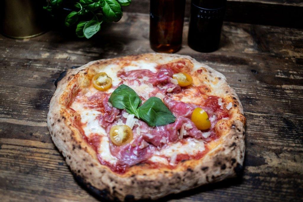 MariaMaria Neapolitanische Pizza Würzburg Salami