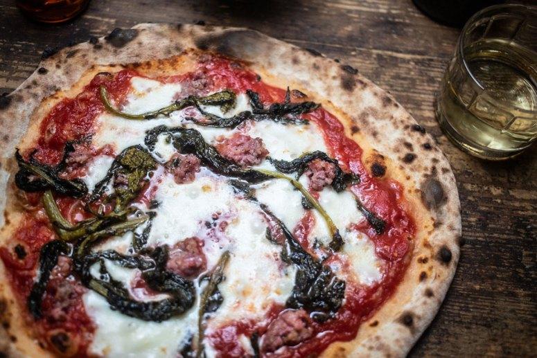MariaMaria Neapolitanische Pizza Würzburg Salsiccia