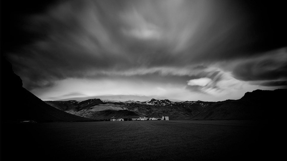 Iceland farm, Black + White