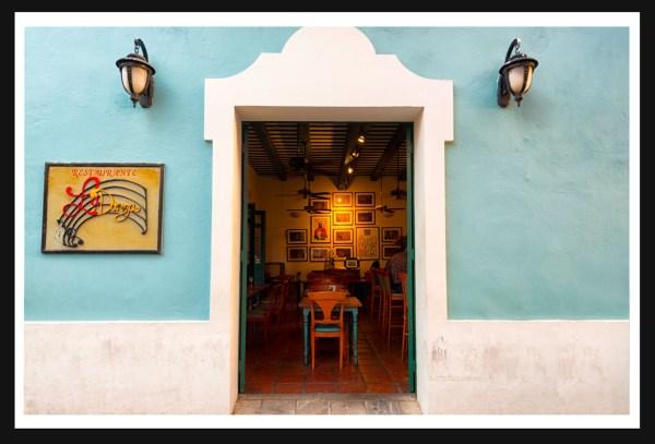 Island bar, San Juan