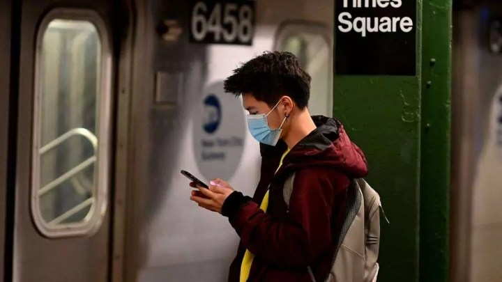 O coronavírus está dando uma grande mordida no número de passageiros do transporte público nos EUA