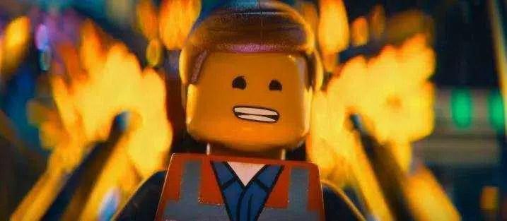 Peça de Lego cai do nariz de criança após dois anos