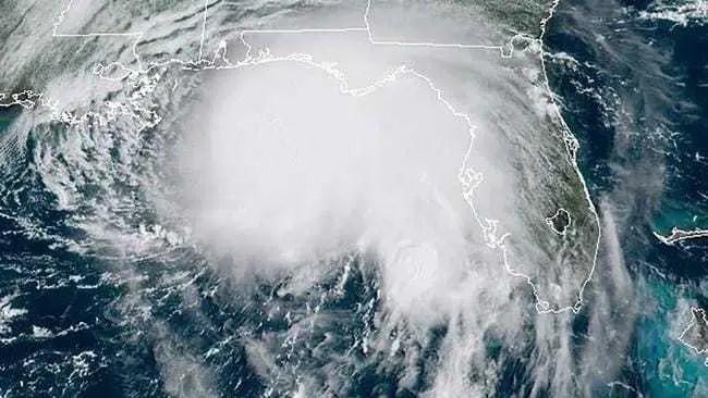 O furacão Sally atinge o sul dos EUA com ventos violentos e chuvas fortes