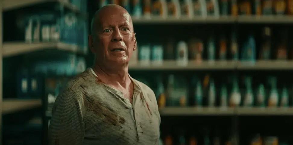 Bruce Willis reprisa John McClane de Die Hard para um comercial de bateria