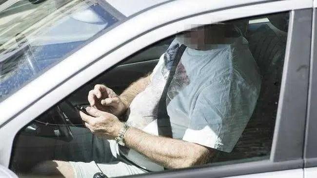 Grande suporte para mais câmeras de detecção de telefone na estrada