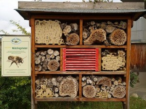 28 insect hotel