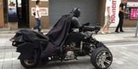 the-real-batman-berkeliaran-di-pemukiman-penduduk-20140828124508