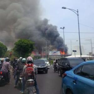 gedung polda jateng kebakaran3