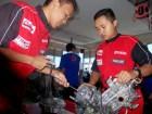 suasana praktek overhoul di workshop yamaha training center surabaya