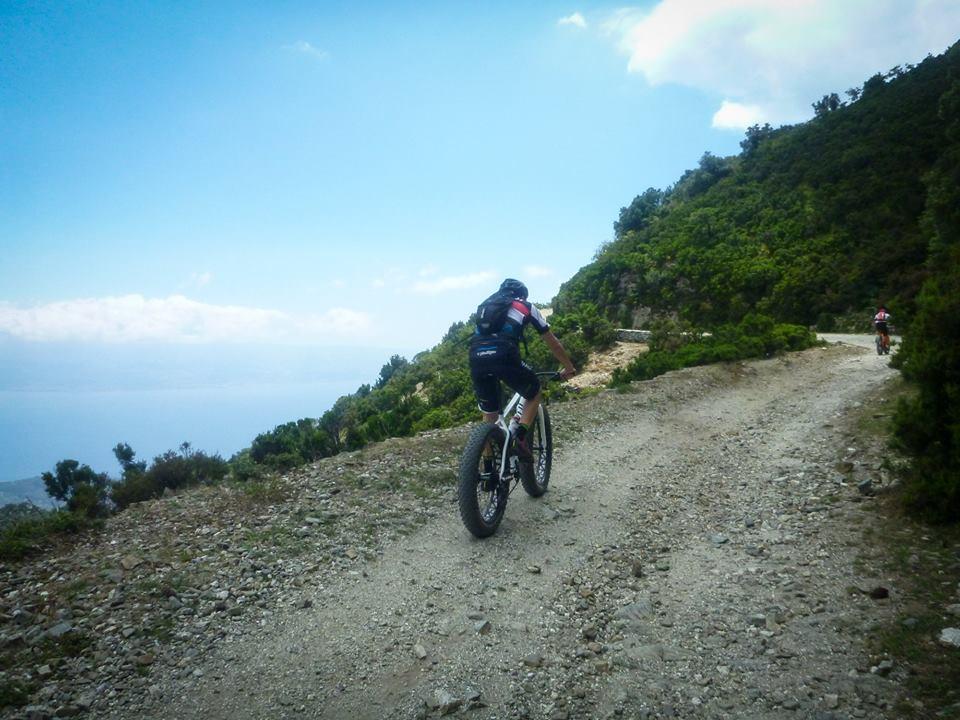 In mountain bike sui Peloritani