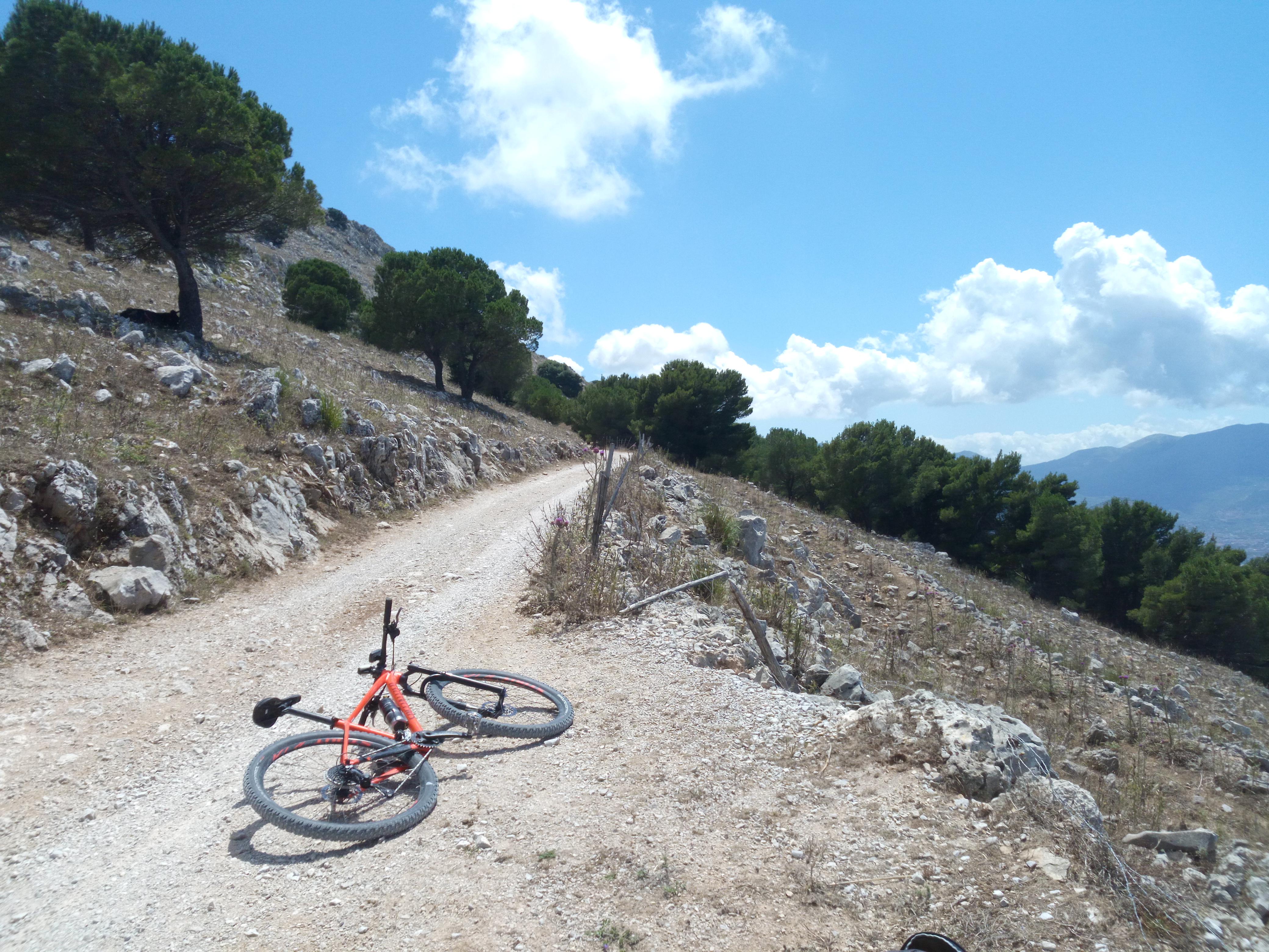 La Sicilia in mountain bike Pizzo Manolfo
