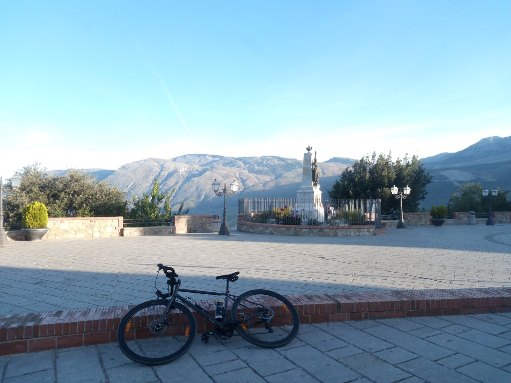 la città di Polizzi Generosa in biciccletta