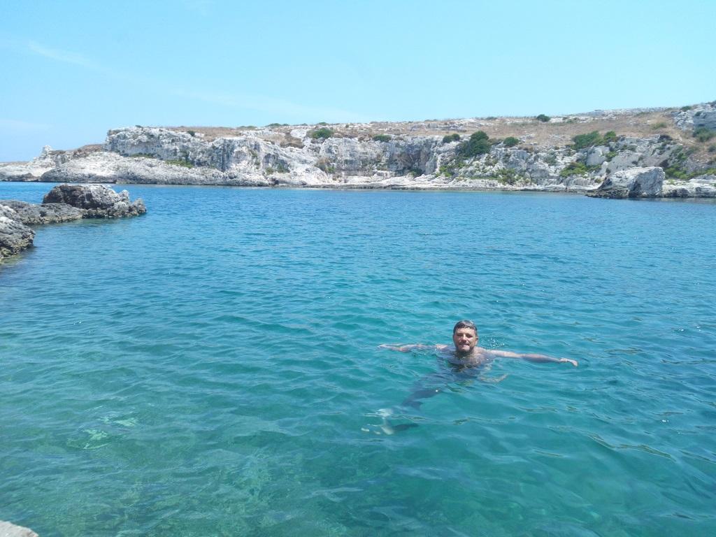 swimming into the tonnara of santa panagia