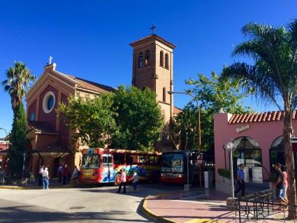 Igrexa na rúa principal de VCP