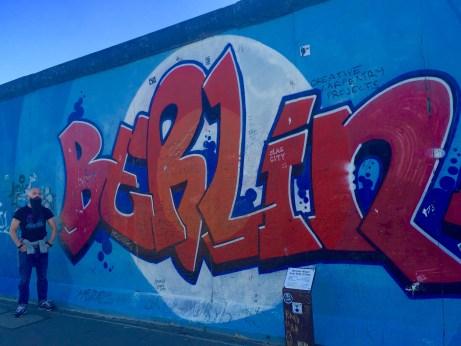 Bruno na East Side Gallery