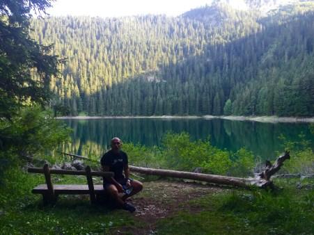 Facendo a senda circular do Lago Negro