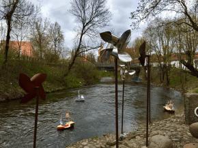 Galería de arte na Užupio Respublika, unha pretendida república independente dentro da cidade de Vilnius (Lituania)