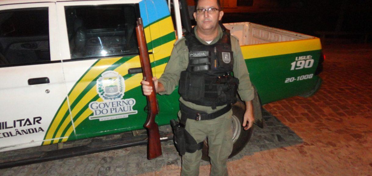 Arma de grosso calibre é encontrada escondida no interior de Francisco Macedo