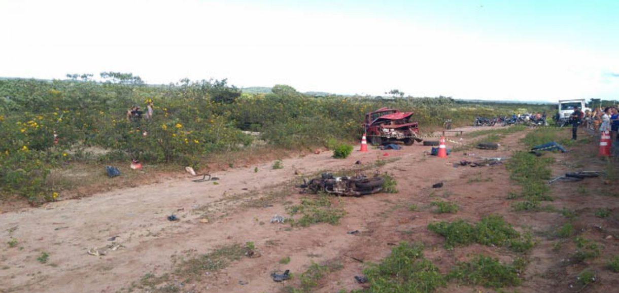 Grave acidente deixa cinco mortos e oito feridos na PI-213 no Norte do Estado