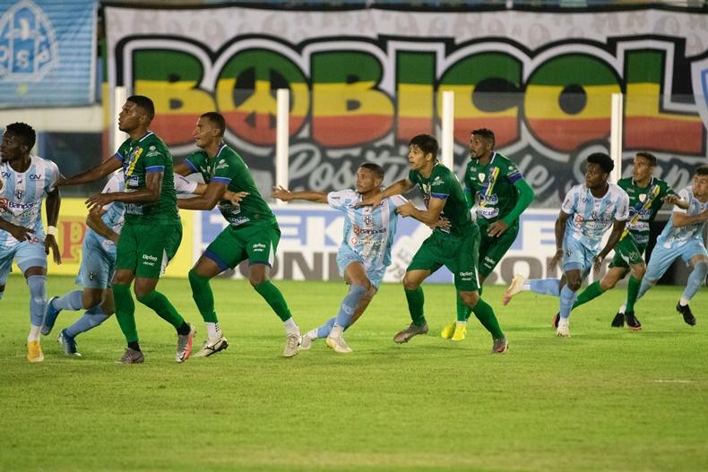 Altos sai na frente, mas fica no empate diante o Paysandu fora de casa
