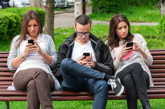 Smartphone compete com Deus pela tua atenção. Quem ganha?