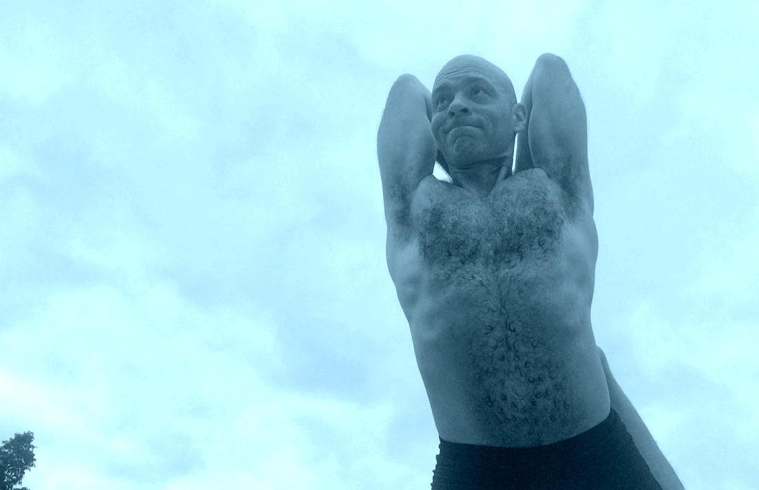 Vitor Capa Site 3 e1632346517315 - Yoga, Meditação e Terapia