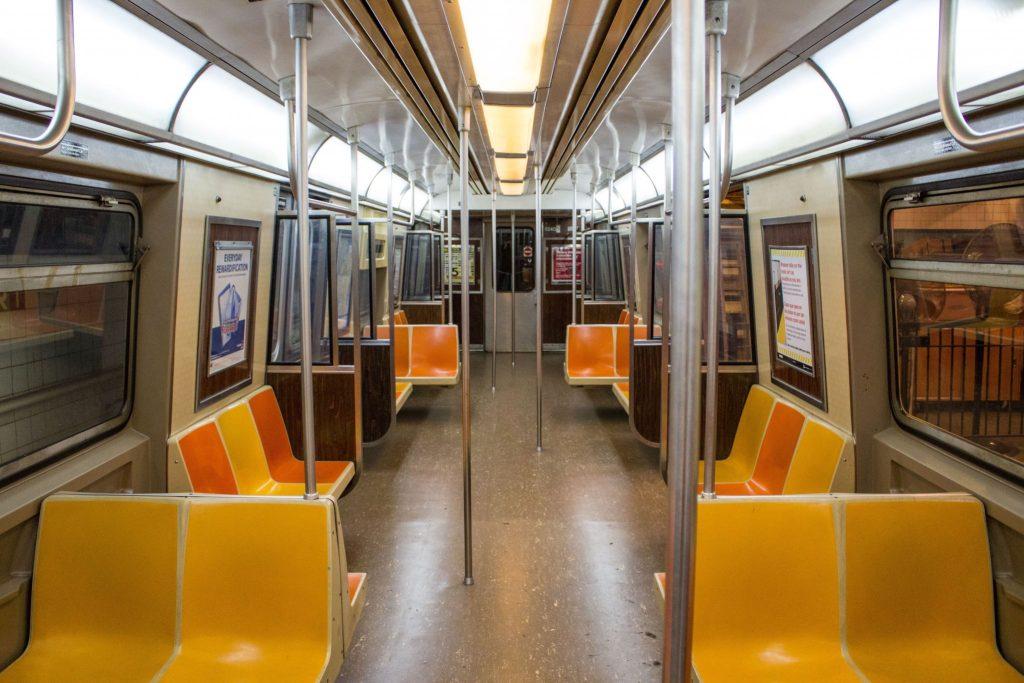 Nowojorskie metro - wnętrze wagonu