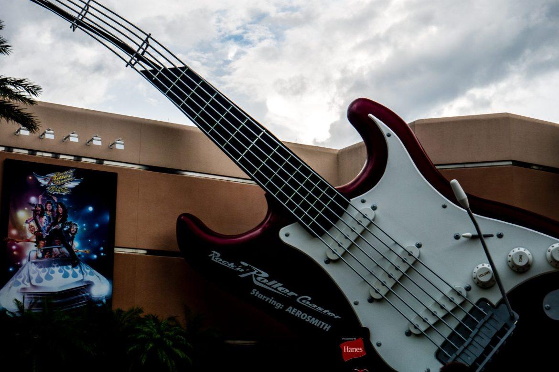Gitara - wejście do wspomnianej kolejki Aerosmith...