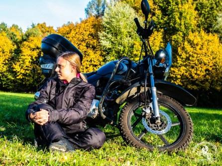 Iwona i jej motocykl, szerokadroga.pl