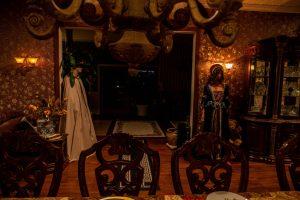 Paradise Ranch - mroczny wystrój sali jadalnej