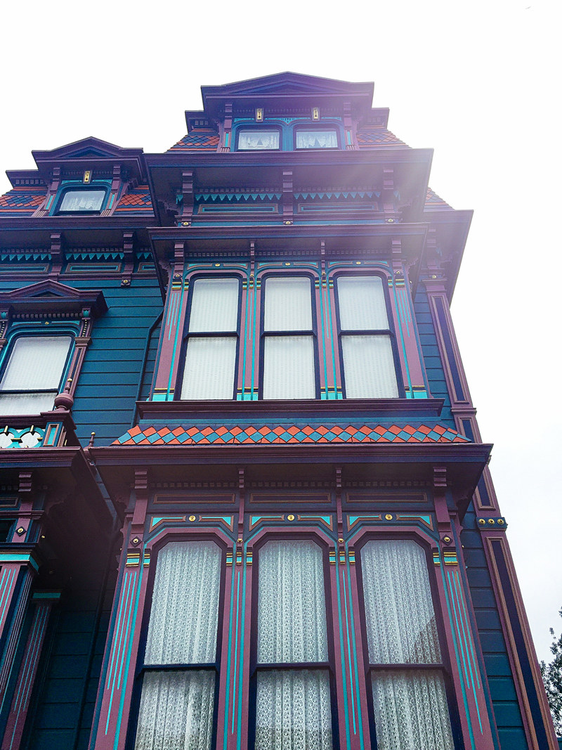 San-Francisco-Travel-Guide-Colorful-Painted-Lady-Victorian-House