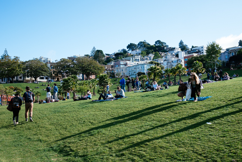 San-Francisco-Travel-Guide-Mission-Dolores Park-Hill