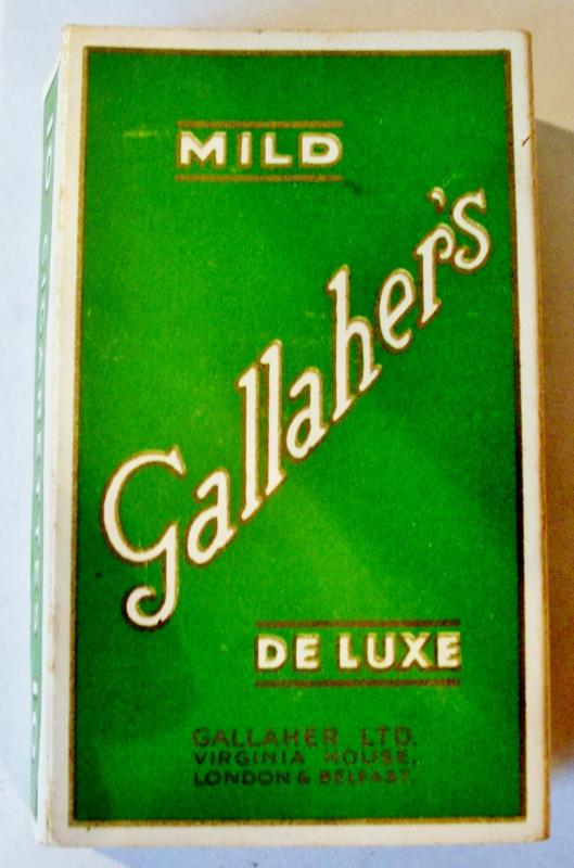 Gallaher's Mild De Luxe - vintage British Cigarette Pack