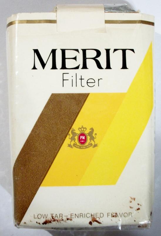 Merit Filter King Size - vintage American Cigarette Pack