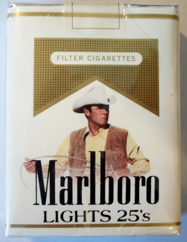 Marlboro Lights 25-pack w/ Marlboro Man, Filter King Size - vintage American Cigarette Pack