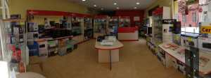 interior tienda informatica 07