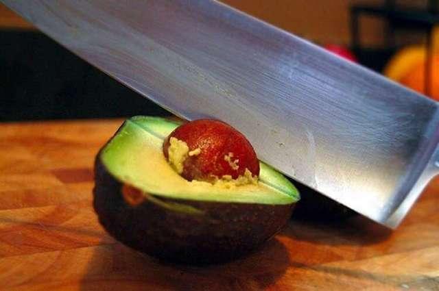 Не выбрасывайте косточку от авокадо - она вам еще пригодится