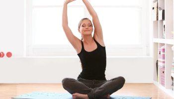 Підтягнути дряблу шкіру рук лише за 20 хвилин можливо – і допоможуть вам 5 простих вправ!