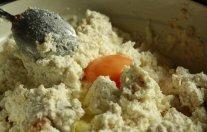 jajce, cimet in sladkor po potrebi