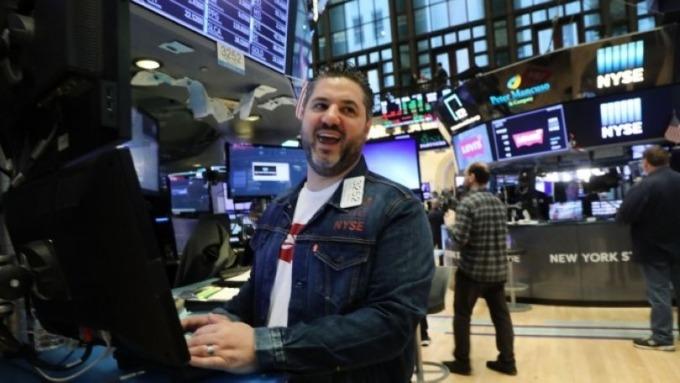 美銀美林:美國假日早期銷售強勁 寫2013年以來最佳   Anue鉅亨 - 美股