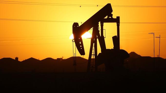 能源盤後—市場衡量需求預期 原油下跌 但脫離盤中低點(圖片:AFP)
