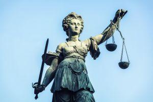 Bitfinex Hit With Second Class Action Lawsuit, Threatens Retaliation 101