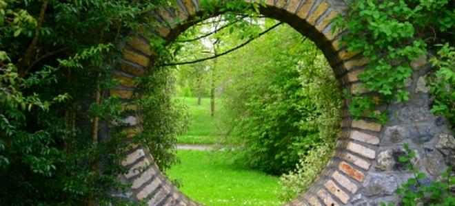 Garden Wall Ideas | DoItYourself.com on Garden Patio Wall Ideas id=77794
